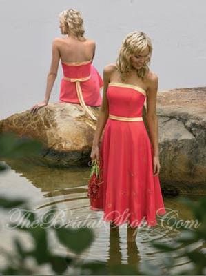 Платье свидетельницы для осенней свадьбы.